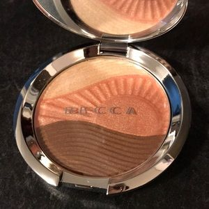 BECCA Endless Bronze and Glow compact